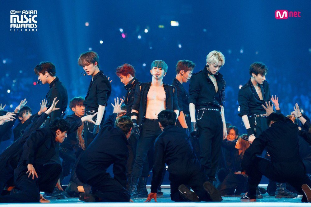 [UCC] MONSTA X being Disrespected on Australian radio and Monbebes are furious, theyre demanding an apology with the hashtag #ApologizeToMonstaX allkpop.com/article/2019/0…