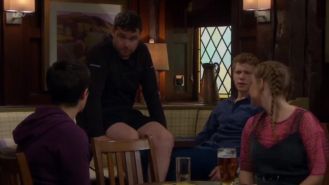I mean is this perfection or what? Aaron showing off his legs...  #Robron<br>http://pic.twitter.com/YNiuPpzqDA