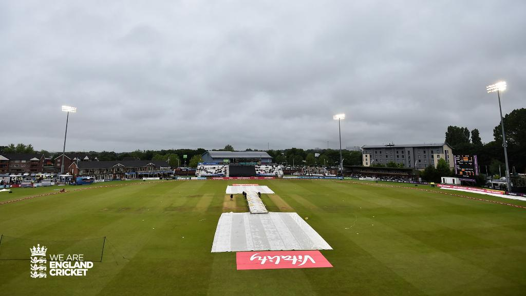 Match abandoned ☔️The rain in Derby won't go away and there will be no play in the third Vitality T20I. This means we win a rain-affected series 1-0 🙌#EngvWI