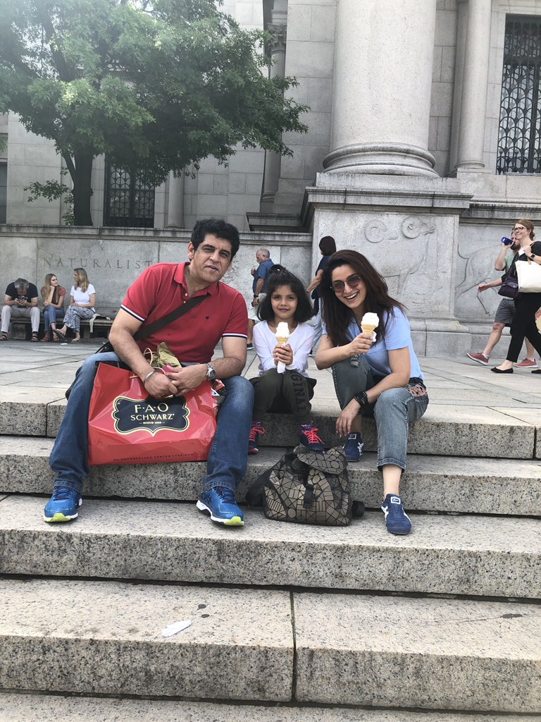 Just the day for a #softy .. #newyorkcity #naturalhistorymuseum #famjam