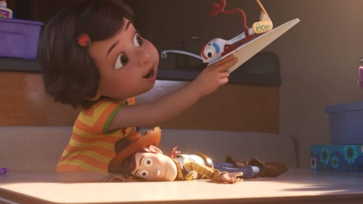 Bonnie cambio a woody por un tenedor, así pasa las personas te cambian aun sabiendo que tú eres mucho mejor.