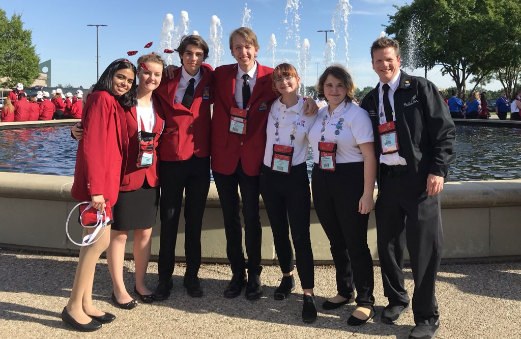 ACC TV students are dressed and ready to go for SkillsUSA opening ceremonies in Louisville. <a target='_blank' href='http://twitter.com/Margaretchungcc'>@Margaretchungcc</a> <a target='_blank' href='http://twitter.com/CharlesRandolp3'>@CharlesRandolp3</a> <a target='_blank' href='http://twitter.com/arlingtontechcc'>@arlingtontechcc</a> <a target='_blank' href='http://twitter.com/APSCareerCenter'>@APSCareerCenter</a> <a target='_blank' href='https://t.co/yTdGg5a5zU'>https://t.co/yTdGg5a5zU</a>