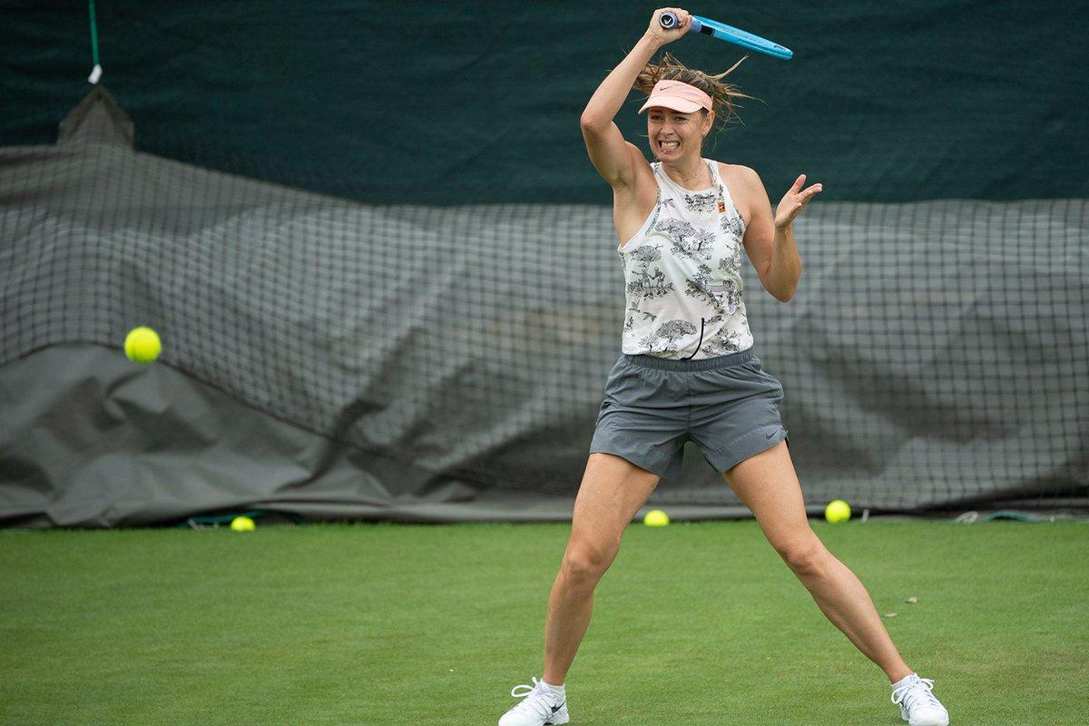 Welcome back to Wimbledon, @MariaSharapova!  #TrainingPova   : Thomas Lovelock / AELTC<br>http://pic.twitter.com/fRiW3o1dig