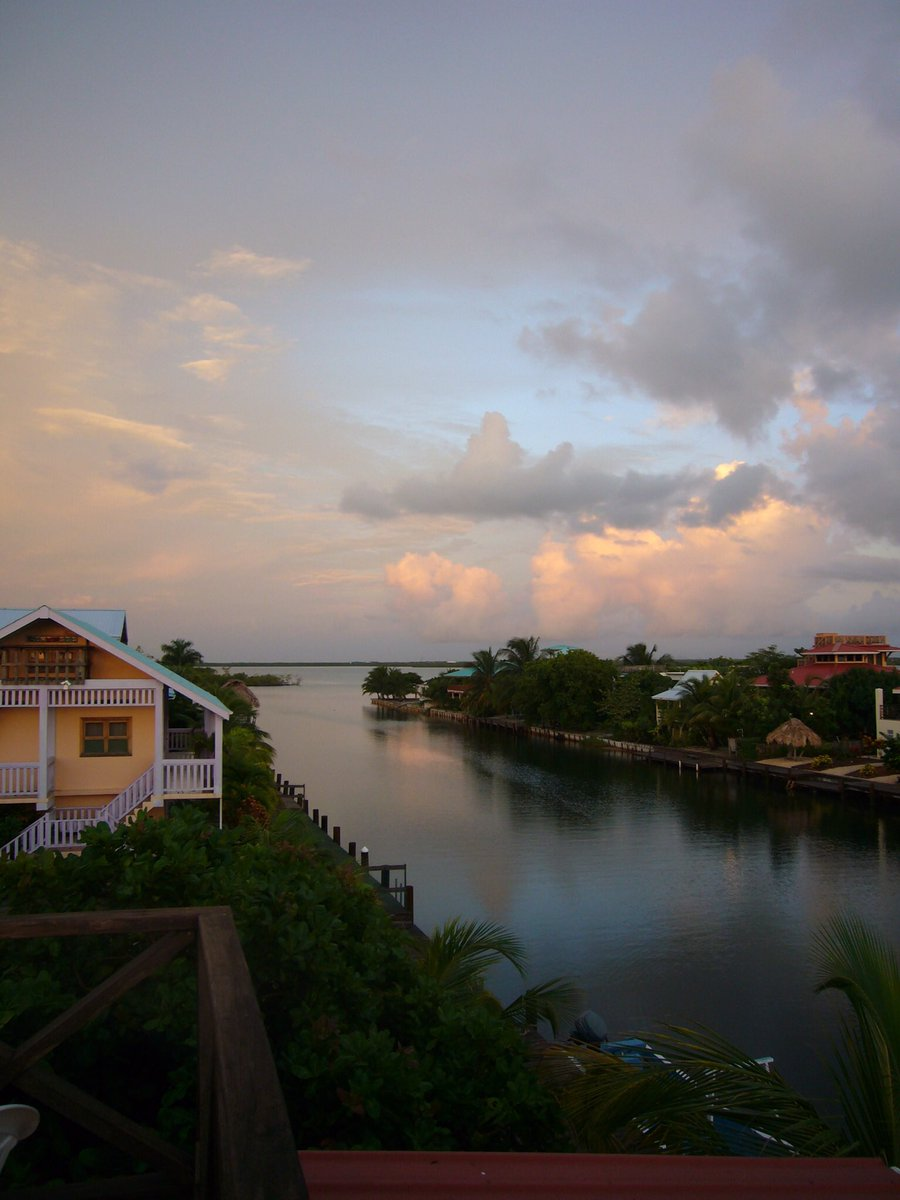 test Twitter Media - 10 years ago I was on a plane heading to live for four months in a tiny town called Placencia in Belize. The only internet was at a bar on the beach (where @bradfitz fixed his laptop), we drank Belikins and later @daveman692 and I were accused of being CIA by a very drunk chef https://t.co/Lz4mydHFi3