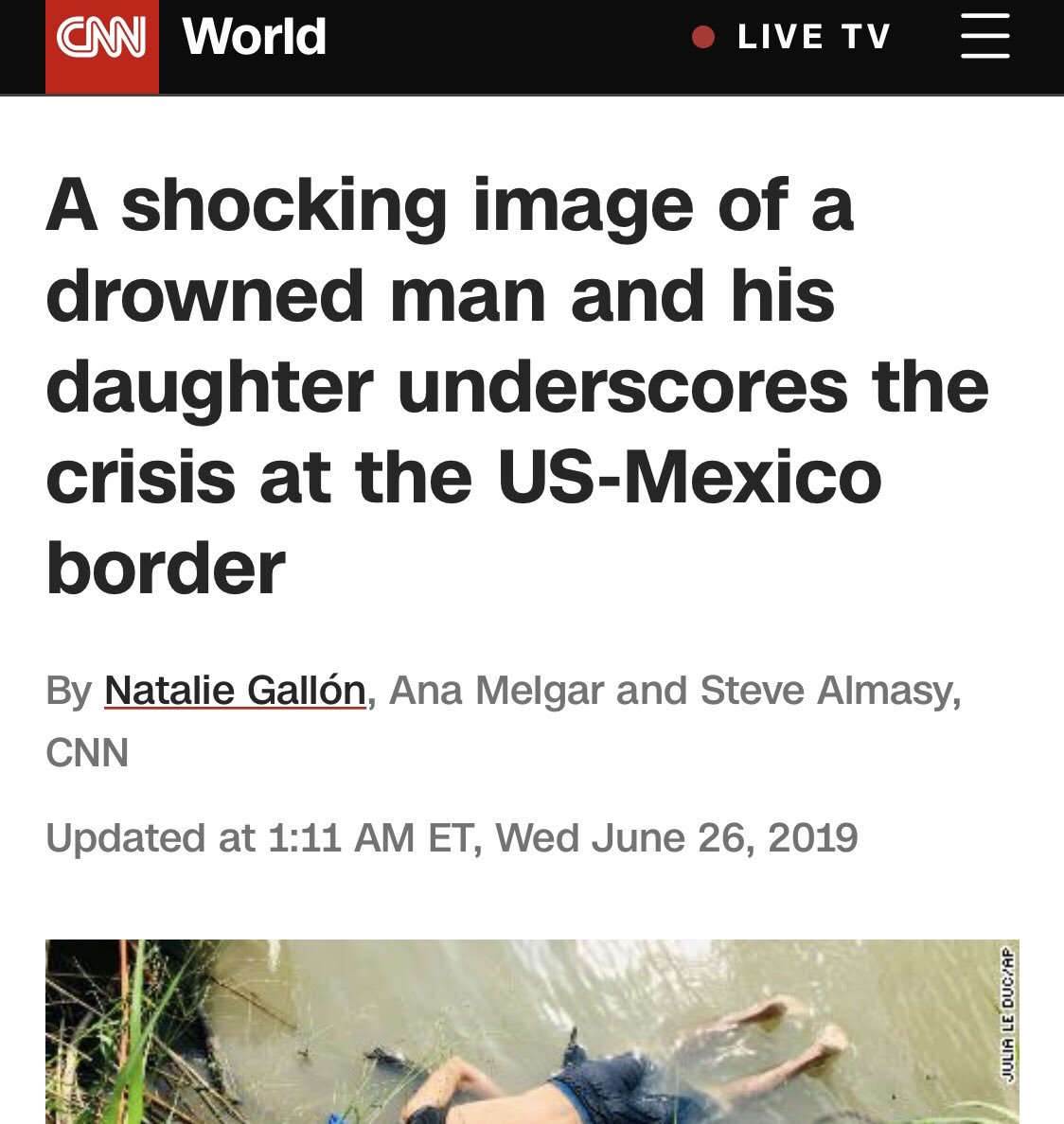 How come editors in msm don't provide consistent principles on when to publish graphic photos of dead people & children? For example, there's no holding back on images of dead migrants but they don't run graphic photos of dead victims of terrorism or murdered Israelis. <br>http://pic.twitter.com/HO9NpdyLsY