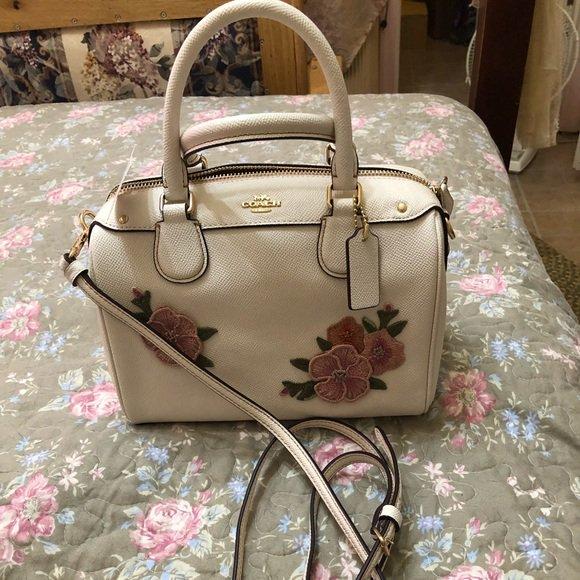 So good I had to share! Check out all the items I'm loving on @Poshmarkapp #poshmark #fashion #style #shopmycloset #coach #fashionnova #rxb: https://posh.mk/SxtlusbnrV