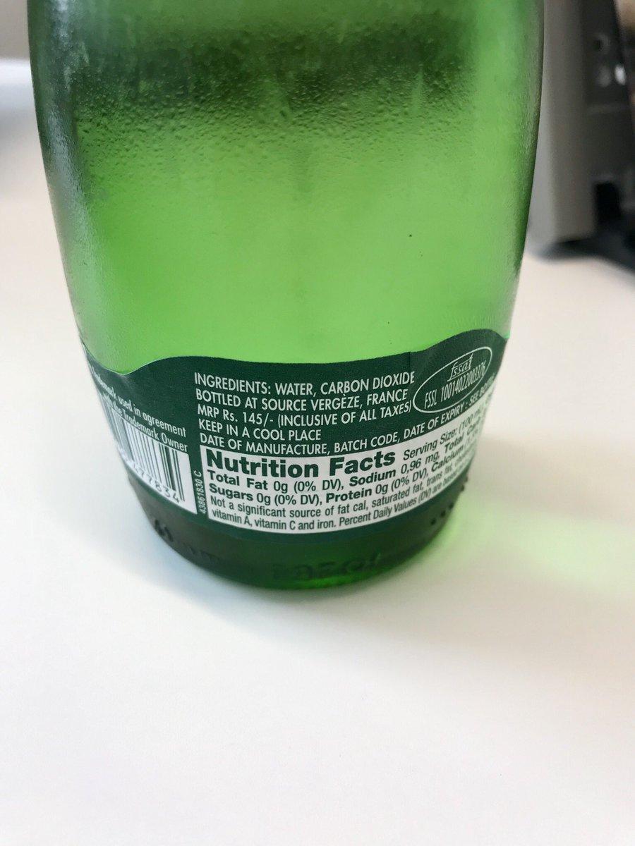 https://t.co/CmsADLNeVCで買った瓶のペリエ、よく見たらインド販売用。Rs. 145の記載で気づいた。正面のラベルはよく見ないとわからん。こんかところでもインドに出会うとは。