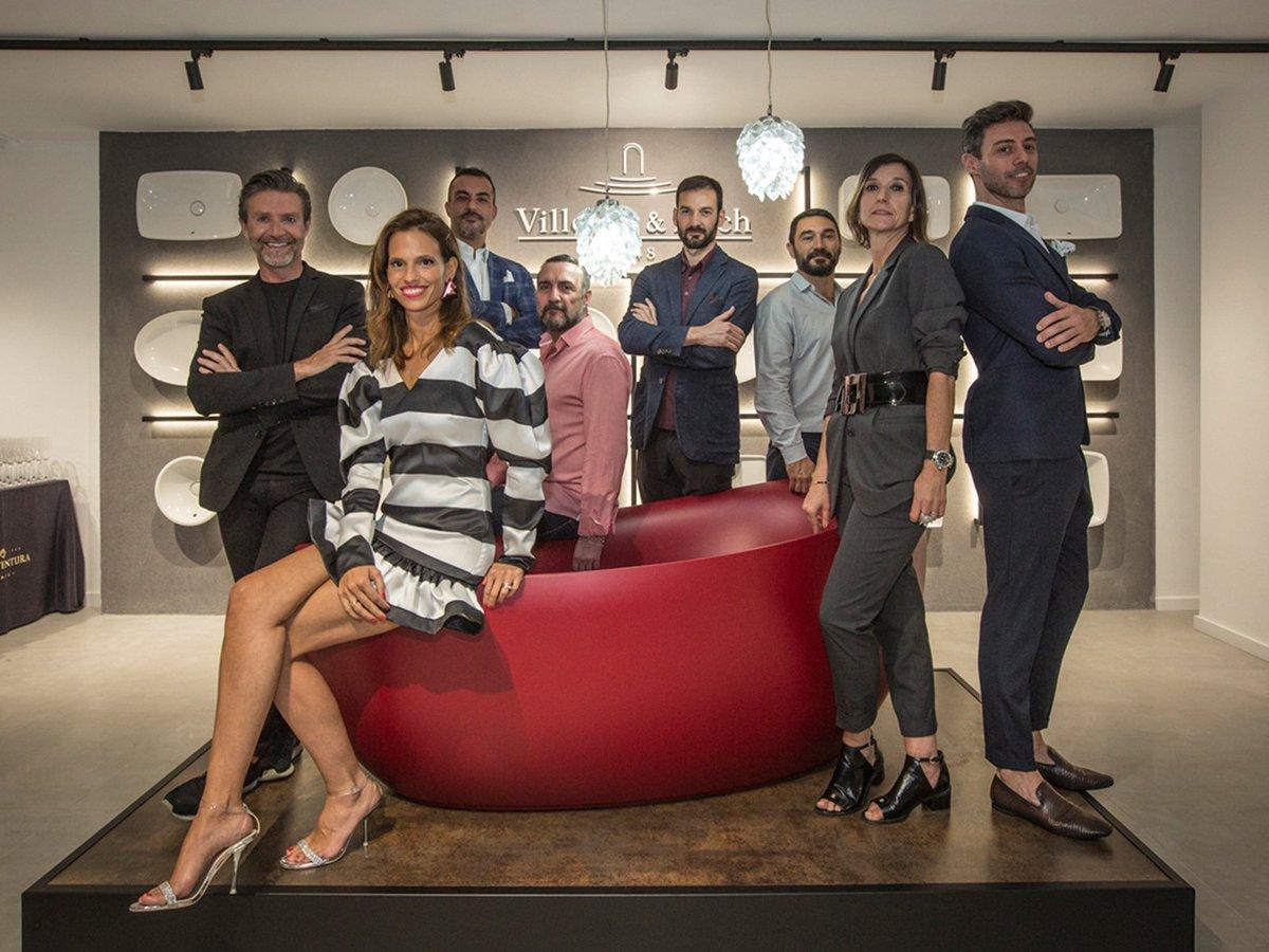 La prestigiosa firma @VilleroyBochES acaba de inaugurar su nuevo showroom dedicado al mundo del #baño en Barcelona, coincidiendo con la @BcnDesignWeek  @EricoNavazo @sara_folch @OracDecor @Duscholux_es  @dornbracht #DesignDistrict #VilleroyBochEs  https://t.co/ngwvgZCJp7 https://t.co/uQpC945p3K