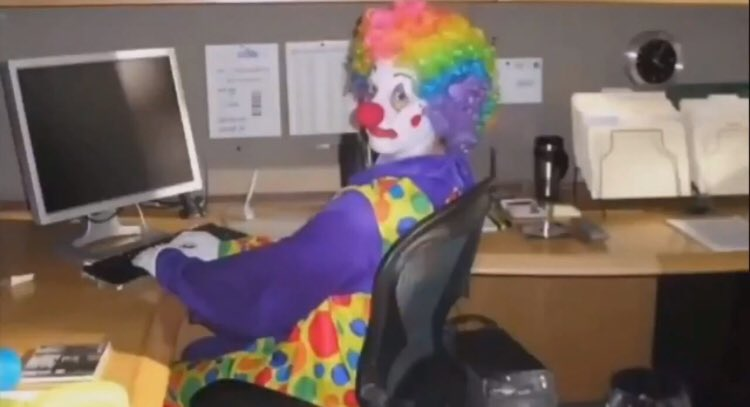 how every yr 11 girl b sitting at their desks in physics with a full face of makeup ready to get fucked the second they leave the exam hall #gcses2019 #gcsephysics