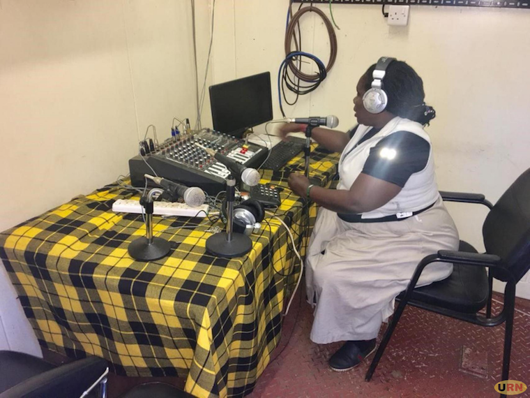 """UBC radio Moroto shocks Museveni. The radio is housed in a small container & only operates twice a month. """"A radio is supposed to be daily not seasonal. That it only comes on twice every month - that one now is something new"""" said M7  https:// observer.ug/news/headlines /61045-ubc-radio-shocks-museveni  …  #Uganda #media<br>http://pic.twitter.com/rrENQbCdea"""