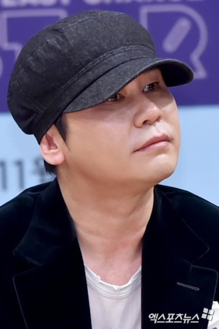 [BREAKING] Yang Hyun Suk announces he will leave YG Entertainment following the myriad of scandals surrounding the company  https://n.news.naver.com/entertain/now/article/311/0001004686…