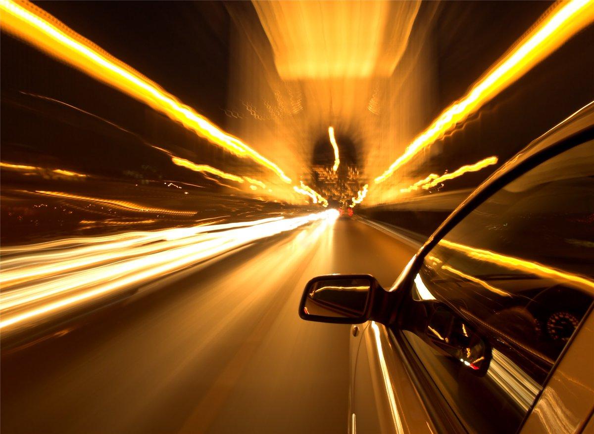 Картинки авто на скорости