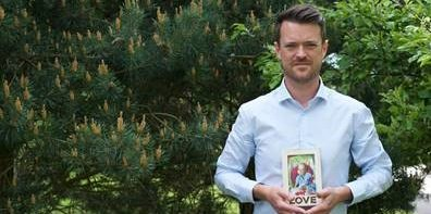 Bereaved fathers have spoken emotionally as a charity launched its Father's Day Appeal okt.to/IgwTHe