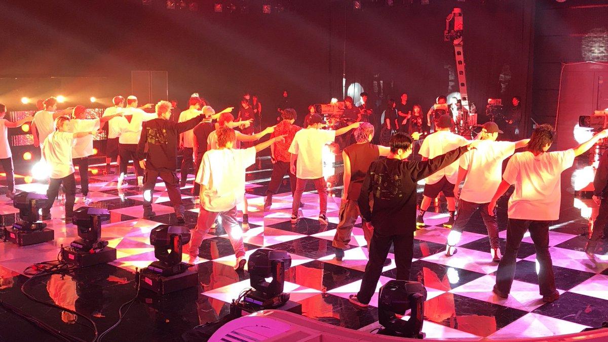 今日もMステの裏側こっそり見せちゃいます! Ⓜ  #GENERATIONSvsTHERAMPAGE 今夜対決 #sumika 楽屋の前で #aiko 今日のわたし  20時から生放送!お楽しみに♪  #ウラステ