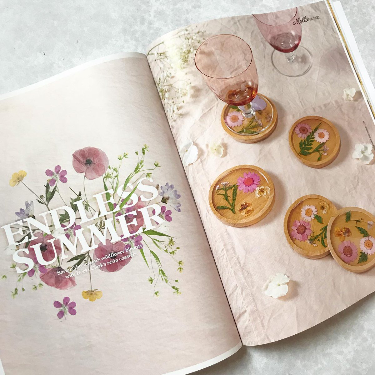 Yay I have a new floral craft project in @molliemakes this month, super simple resin coasters 🌾 Loved working on these and you'll find the full tutorial inside the mag which is out today, there's so many projects in this issue I can't wait to make 🌿
