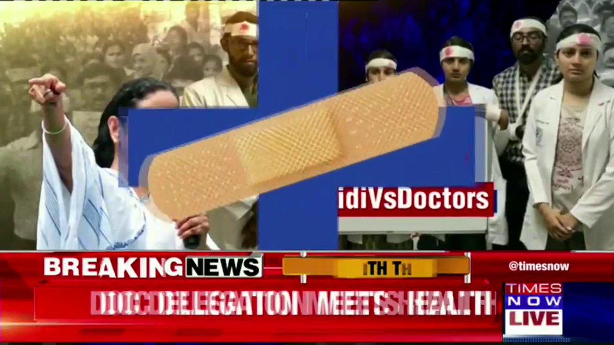 #DidiVsDoctors | Mass celebration among doctors after tendering resignation at RG Kar Medical College & Hospital, Kolkata.More details by @SreyashiDey.