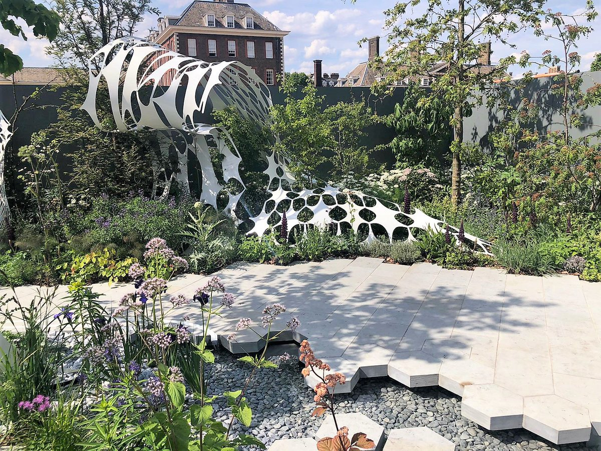 THANK-YOU to @DomisLtd & Wrights landscapes for helping to distribute the @Barchamtrees from the Manchester Garden at #rhschelsea to their new homes across Gr. #Manchester providing a living legacy of the Manchester Garden! #RHSChelsea @marketing_mcr @ExtArchitecture