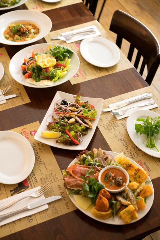 Bei so einem Wetter muss man das Steak mit einen frischen und knackigen Salat essen!  . . Bis bald im Colina, Flandrische Straße 18 in 50674 Köln. . . #köln #kölnliebe #kölnstagram #colognefoodie #colognefoodguide #colognefoodpic.twitter.com/OM1tpGoBiD
