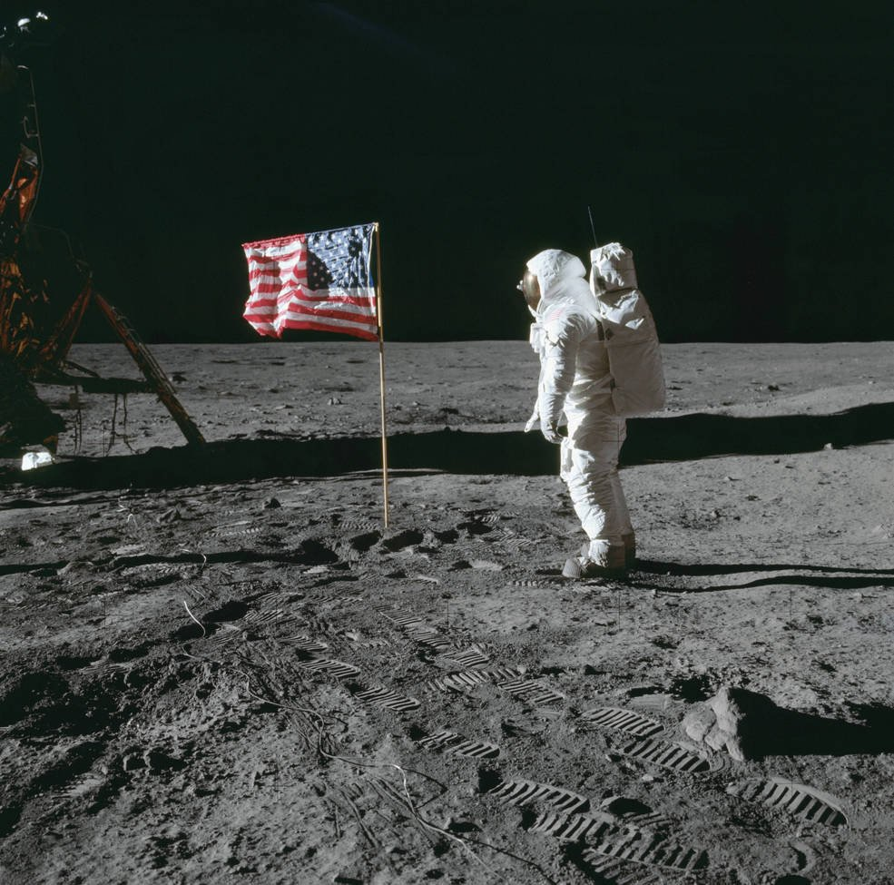 Happy #FlagDay! 🇺🇸 One of our most iconic images is of Buzz Aldrin saluting the American flag on the surface of the Moon. Did you know that over the next 3 years, 5 more flags joined the one left by Apollo 11? Learn more about stars & stripes in space: go.nasa.gov/2MOlxxd