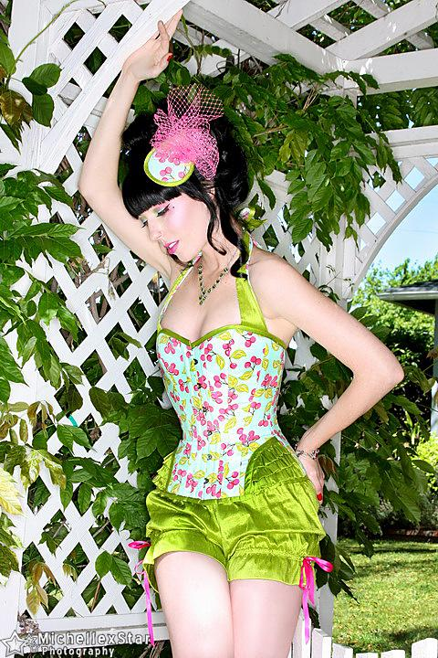 YOUR fabric, OUR patterns.... What are you dreaming of becoming? (Tell us! We ﹡really﹡ want to know)...  #customcorsets #patterns #bespoke #custommade #justforyou #customfitted #corsetspic.twitter.com/GOlgUVa0bo
