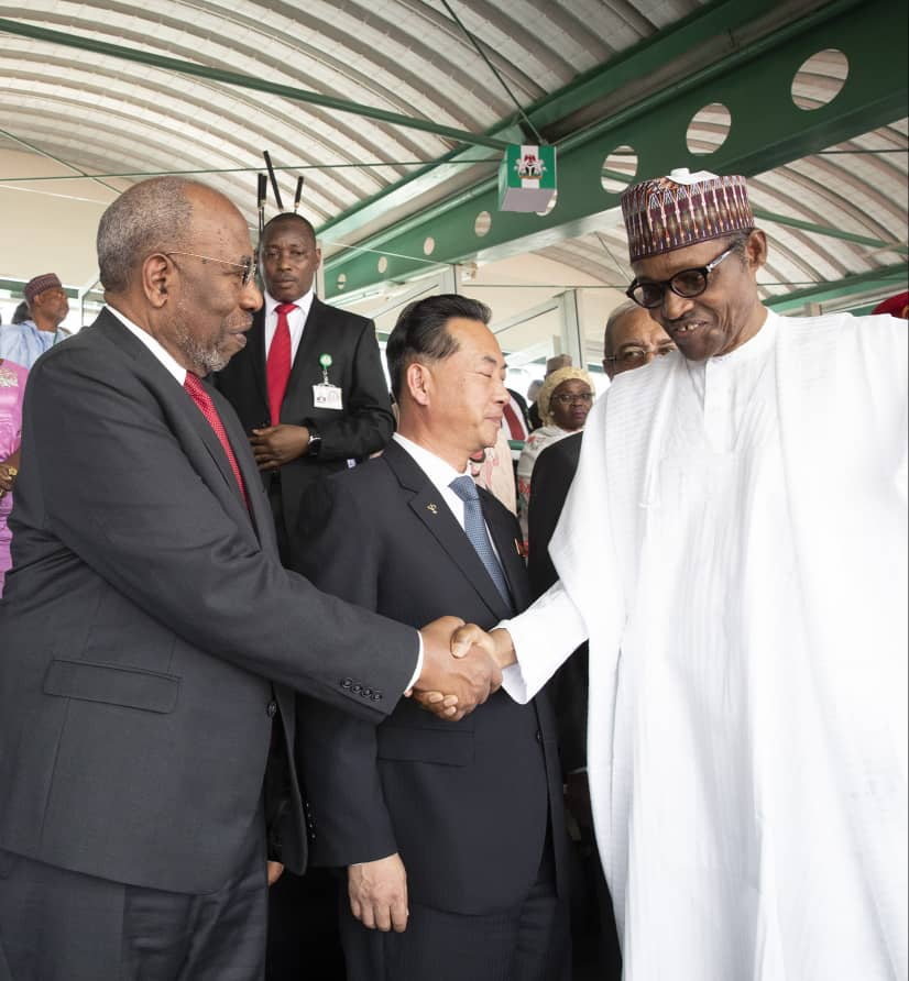 Meeting HE @NGRPresident @MBuhari during #DemocracyDay celebrations in Abuja, Nigeria, on 12th June where I represented HE @KagutaMuseveni . We salute Nigeria for its consistent support to the total  liberation of Africa.<br>http://pic.twitter.com/FcUc8IMNh2