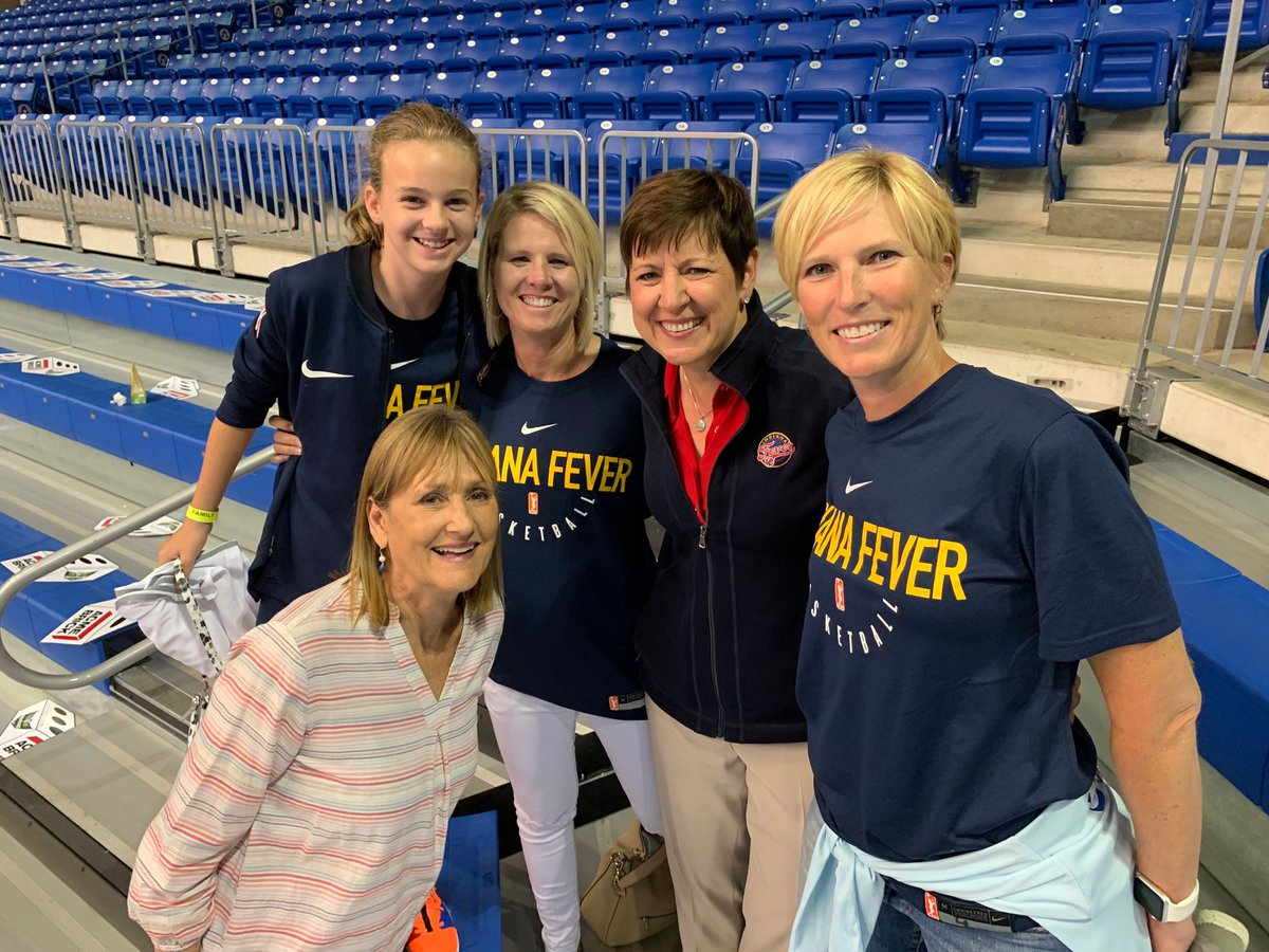 Great to meet @IndianaFever fans who flew, from Baton Rouge, to our game in Dallas.  #Fever20 #AllForLove
