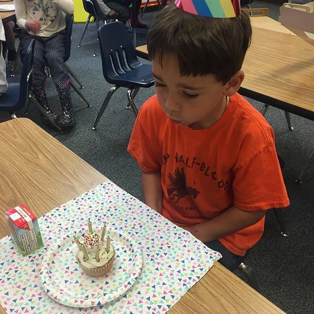 Summer birthday baby! When your birthday is in July- school friends celebrate in June - Happy almost 6 Kellen! #fox29goodday #boymom @fox29philly  http:// bit.ly/2ZiX6JQ    <br>http://pic.twitter.com/iAjgMb5GQt