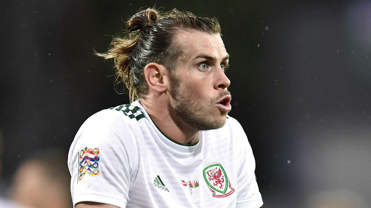 "🗣 Ian Rush: Looking at Manchester United last season, I think Gareth Bale would walk into that side now."" 😳 Is this more of an insult to Man Utd… or Bale?"