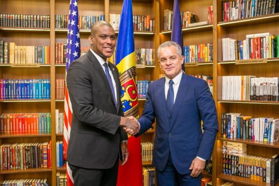 """В Молдове опять одно правительство: кабмин Филипа ушел в отставку, Санду объявила страну """"свободной"""" - Цензор.НЕТ 1701"""
