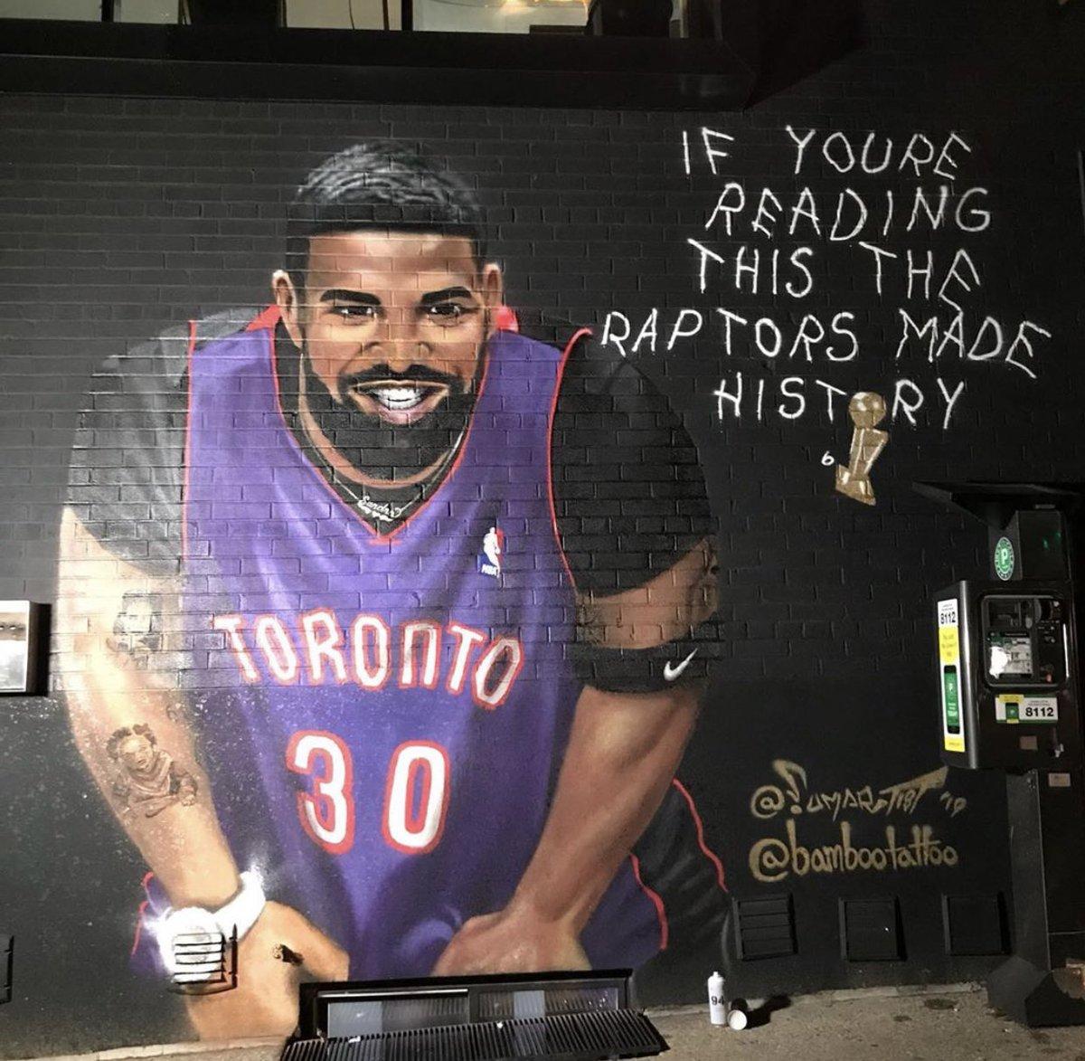 Drake and Raptors mural in Toronto 🖌#NBAChampions