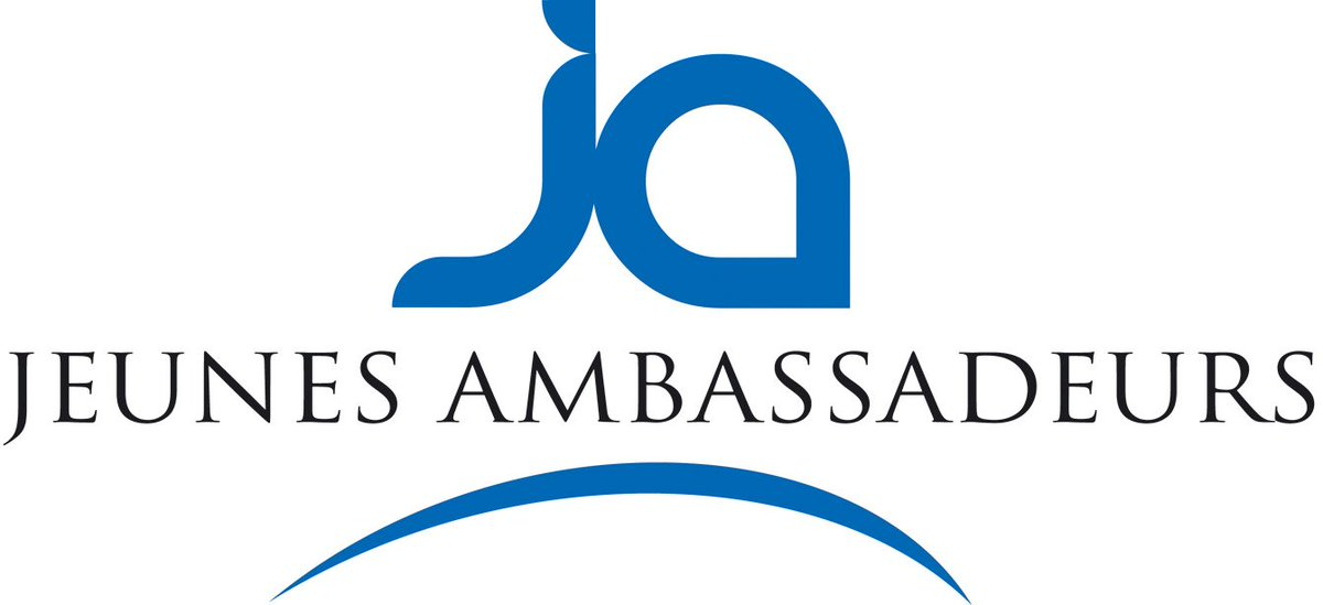 [ News]  ESDES works with Jeunes Ambassadeurs, a program that offers the opportunity to international students to discover and network with business leaders in the Rhône-Alpes region.   http:// ow.ly/7Kma50uDXao    <br>http://pic.twitter.com/9XVSDS3zdP