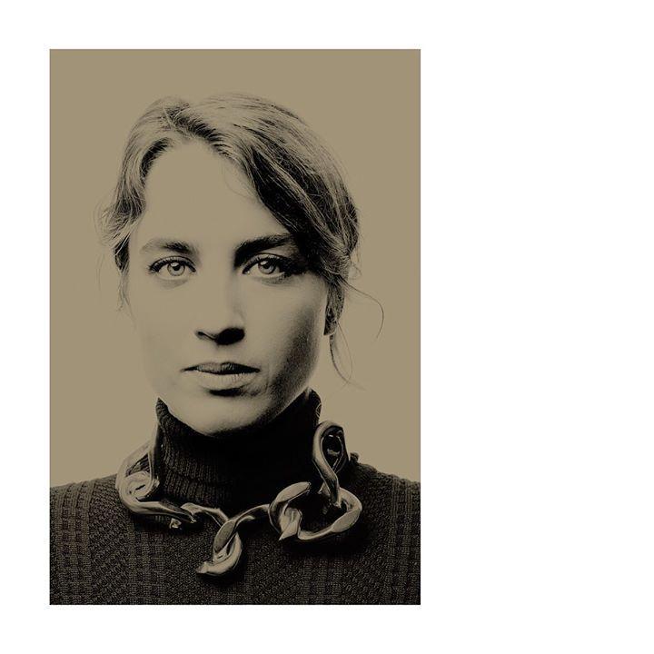 L'actrice Hadel Haenel sur le bateau #Arte pour le #film Portrait de la jeune fille en feu. ©Photo Bertrand Noël Assistante : Livia Borel #Hadel Haenel #PortraitDeLaJeuneFilleEnFeu #CélineSciamma #NoémieMerlant #artecinema #cannes2019 #cannesfilmfestival… http://bit.ly/29GwSLt