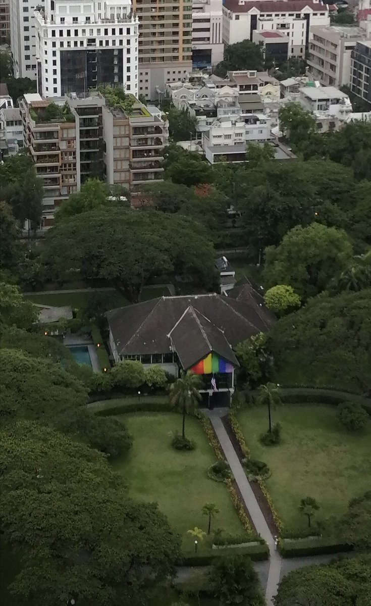 Trump admin has told U.S. embassies they can't fly pride flag on flagpoles  - but this is not an embassy (its a residence) and that's not a flag, more like a banner https://www.nbcnews.com/politics/national-security/trump-admin-tells-u-s-embassies-they-can-t-fly-n1015236 …