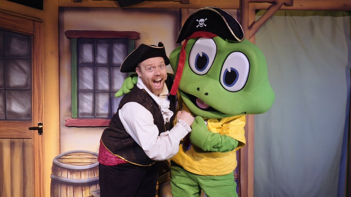 Let Freddo teach you to walk and talk like a pirate with his EXCLUSIVE LIVE STAGE SHOW at Cadbury World! School holidays (20th July - 1st September) and weekends until 13th October. All entertainment is included in your standard entry price to Cadbury World. #Birmingham #Dayout