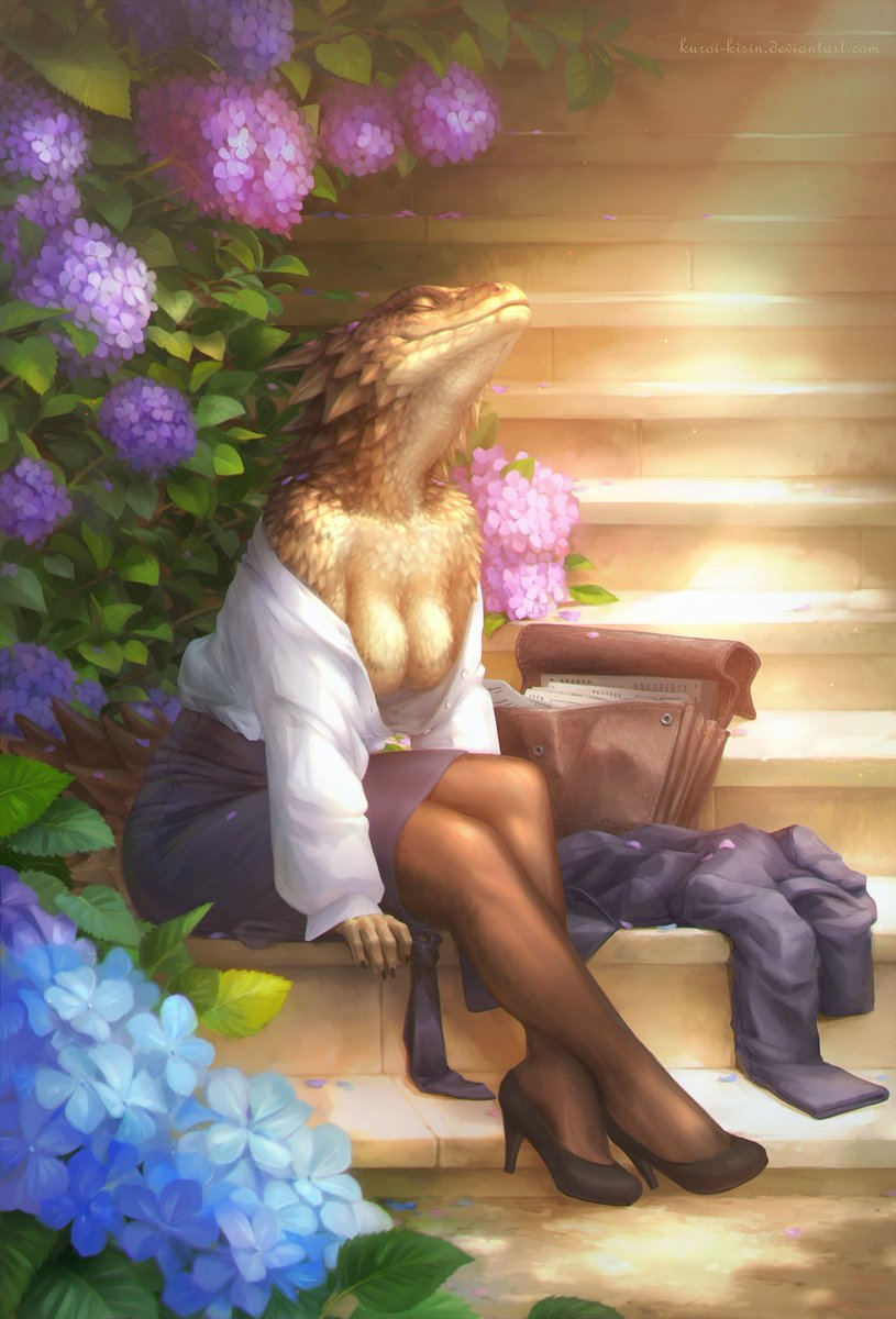 Sweet business lady #sungazer #lizard in hydrangeas. #Commission for Nirin from FA 🦎