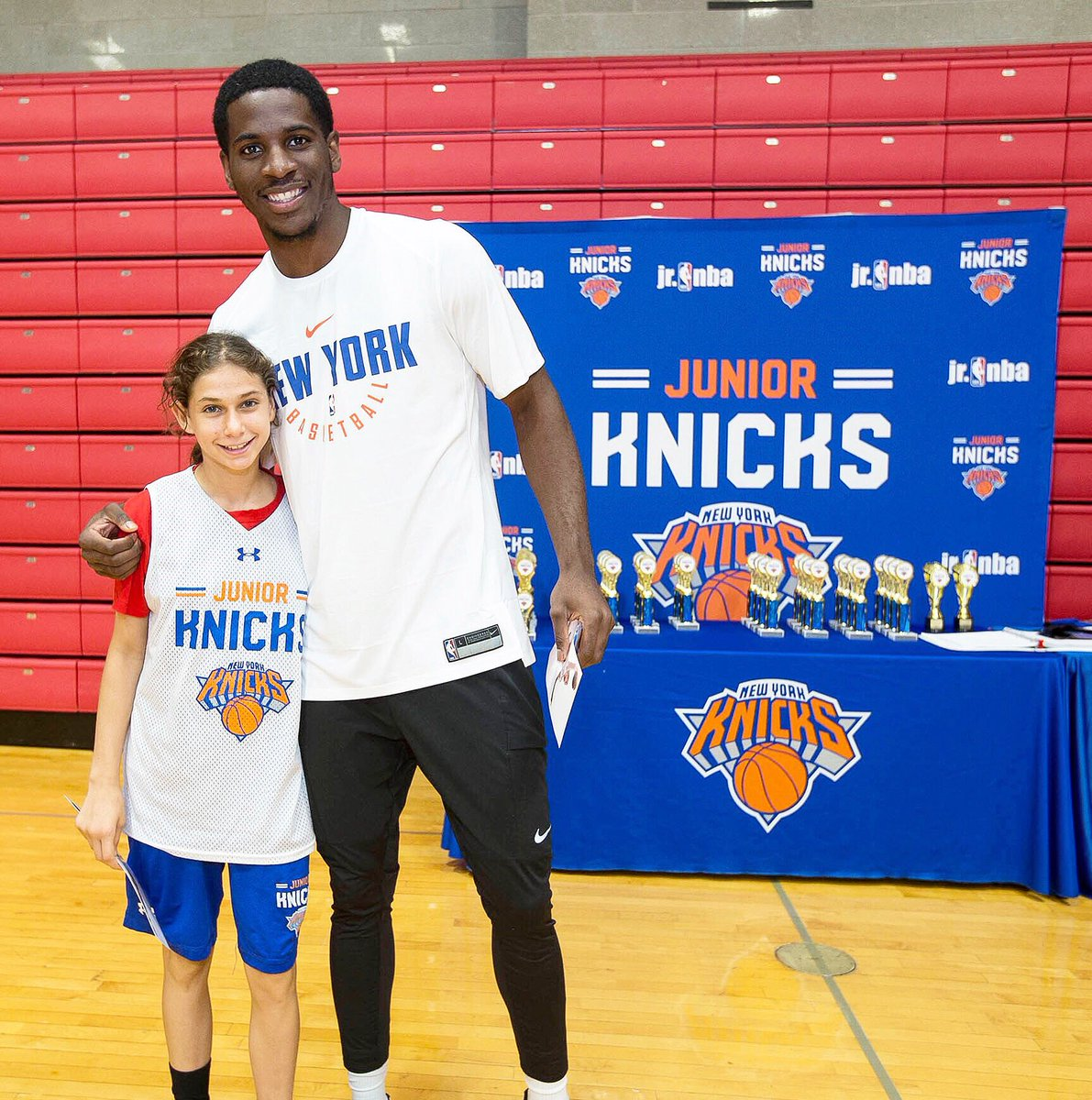 That time @wholeteamdot helped us hand out awards at #JrKnicks Summer Camp #FlashbackFriday 💪 Have you signed up yet? ➡️http://www.nba.com/knicks/camp
