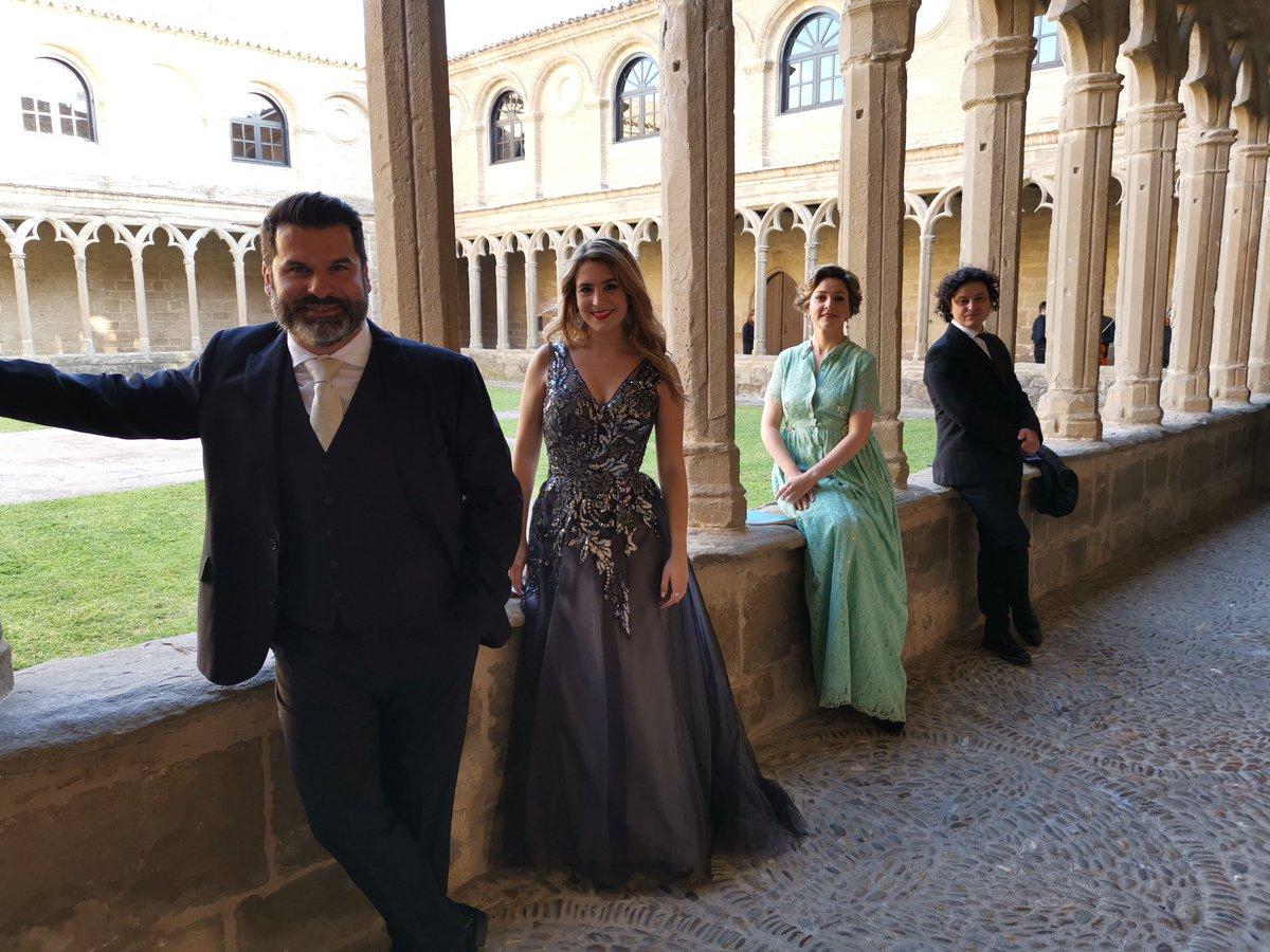 RT @orquestanavarra Nuestro cuarteto solista instantes antes de salir al escenario del Auditorio del Carmen en #Sangüesa   @sofiaesparza94 @AlfredoGarciabr @Juan_A_Sanabria Esmeralda Espinosa #Mozart #Réquiem #Fundación @baluarte