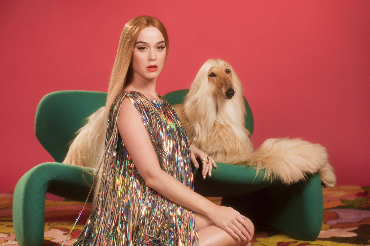 The LEWKS are #NeverReallyOver 💁🏼 Vertical video now on #TodaysTopHits @spotify 🎥: @LizaVoloshin (Also, s/o @kpcollections 👡) http://katy.to/TodaysTopHits