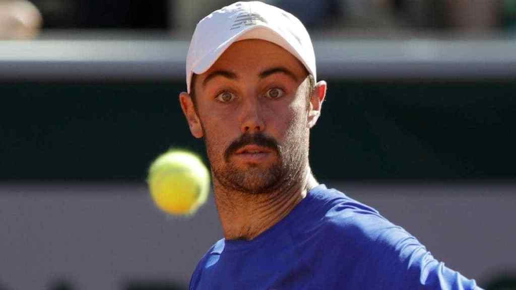 Wimbledon 2019; Jordan Thompson upstages Aussie No.1 Alex De Minaur at LibermaOpen https://t.co/m5cVLApyyu https://t.co/k4Dogdoxvg