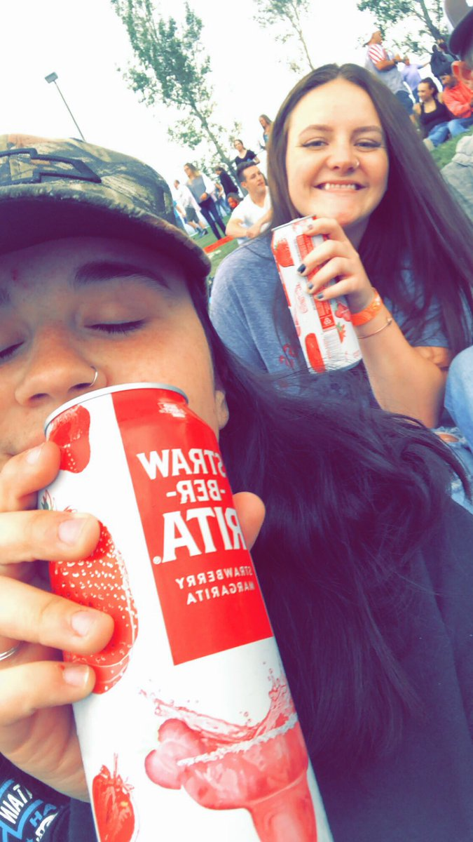 I was too busy enjoying brad paisley last night so here's some pictures of me and my best friend instead  <br>http://pic.twitter.com/SRx3FFl7Wc