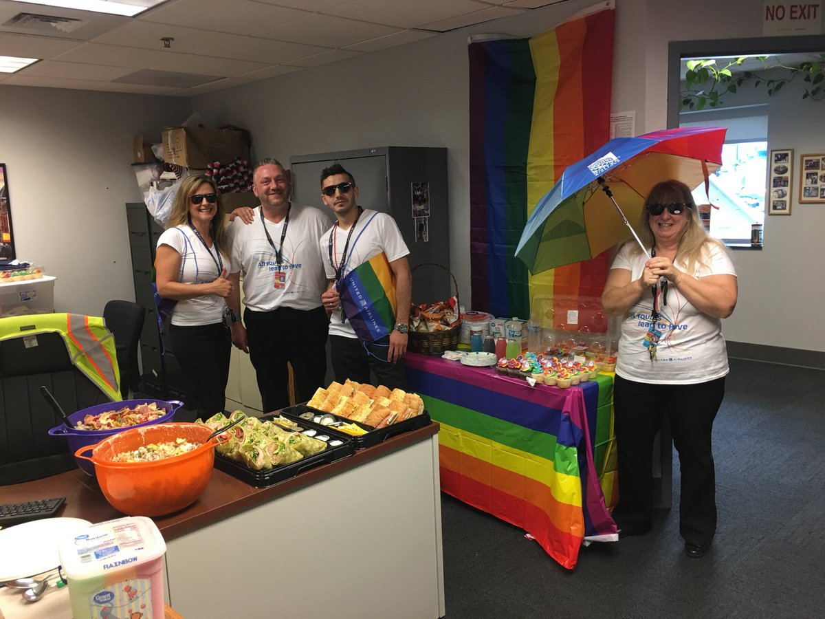 DTW LGBTQ Pride day 🌈 ❤️Customers were challenged to do a word search at gates while they waited, and all employees enjoyed rainbow pasta salad and much more. What a great day! @weareunited #BeingUnited