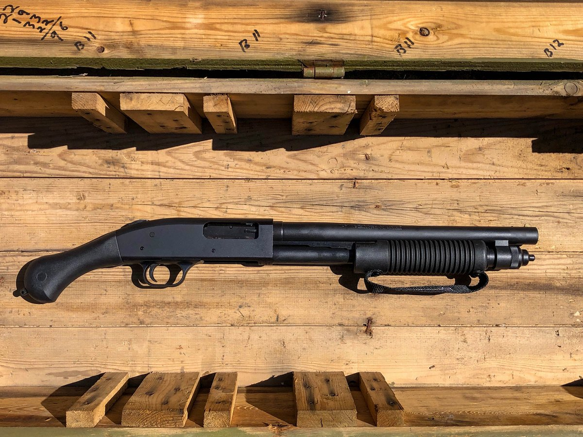 Our scatter gun flash sale continues with some of our most popular pump action shotguns ad AOWs! You can shop some great options like this @MossbergCorp 590 Shockwave by heading over to our website - https://www.classicfirearms.com/mossberg-590-shockwave-12ga-pump-50659/…