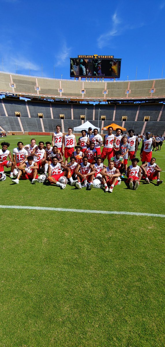 Oakland football goes 6-0 on the day to win the University of Tennessee 7 on 7 title. #OaklandTN #RockyTopTN Awesome!!<br>http://pic.twitter.com/XhffnrGLRd