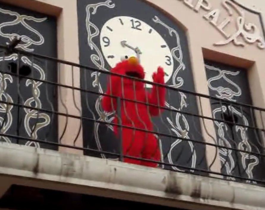 El famoso capítulo de Barrio Sésamo en el que Coco explica cómo funciona un balcón y que no se emitió en el Reino Unido.