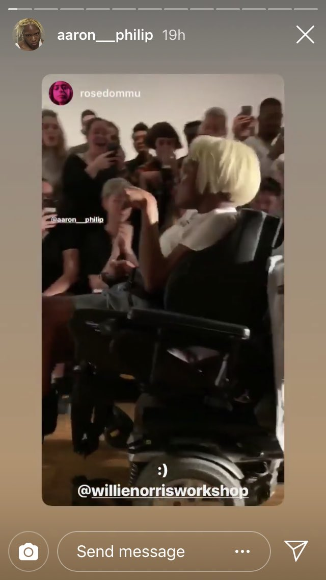 aaron phillip is banned from twitter (for defending herself against transphobes and literal nazis). but she just made her runway debut DESPITE all the hatred trying to diminish her success. #TRANSPOWER #TRANSISBEAUTIFUL<br>http://pic.twitter.com/IYb40K2jek