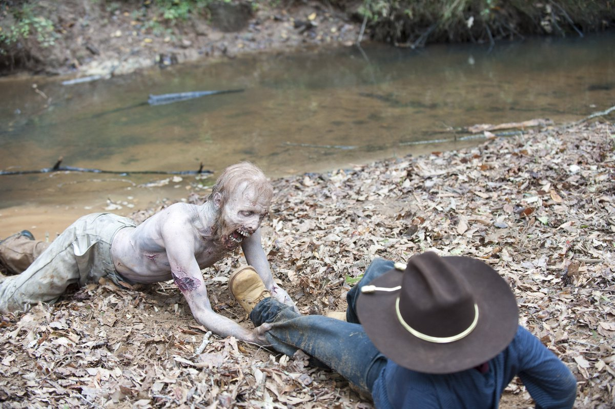 #FlashbackFriday to when Carl wouldn't stay in the damn house <br>http://pic.twitter.com/LywlQUJz9Y