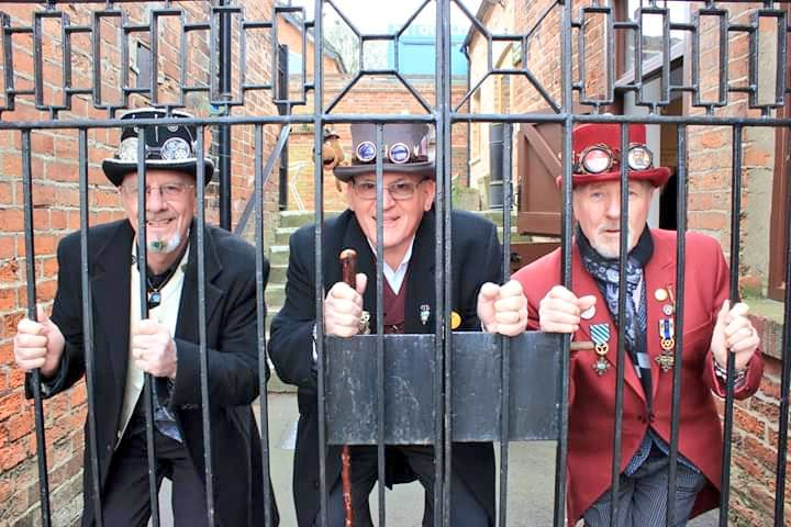 There'll be #TopsAndTales aplenty at tomorrow's #Steampunk Extravaganza, a splendiforous celebration of time-travelling Victorians. Come along 10 am - 4 pm for stalls, entertainment, games & much more! #MuseumsTogether30 @MuseumsTogethe1