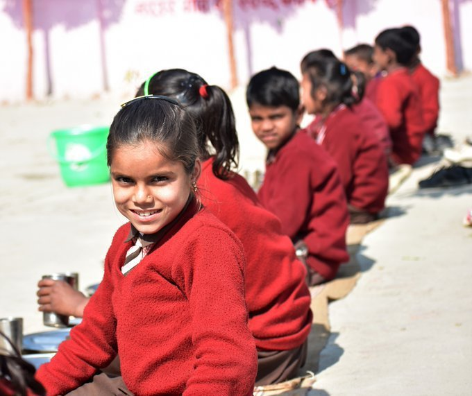 The teacher told me if I eat healthy food, I will become smart & then I can become anything when I grow up. - Shweta from India knows that full stomachs fuel big dreams. More on @WFPs school meals programme: www1.wfp.org/school-meals #ZeroHunger