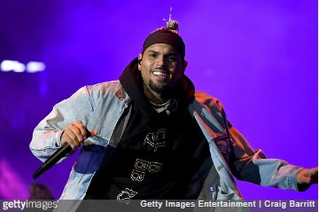 Sources have confirmed that @ChrisBrown is expecting baby number 2 with ex-girlfriend Ammika Harris. http://bit.ly/2INmgcX #AmmikaHarris #CelebBabyNews #CelebrityBaby #CelebrityPregnancy #ChrisBrown #KarruecheTran #NiaGuzmanpic.twitter.com/mhAWB6pUXL