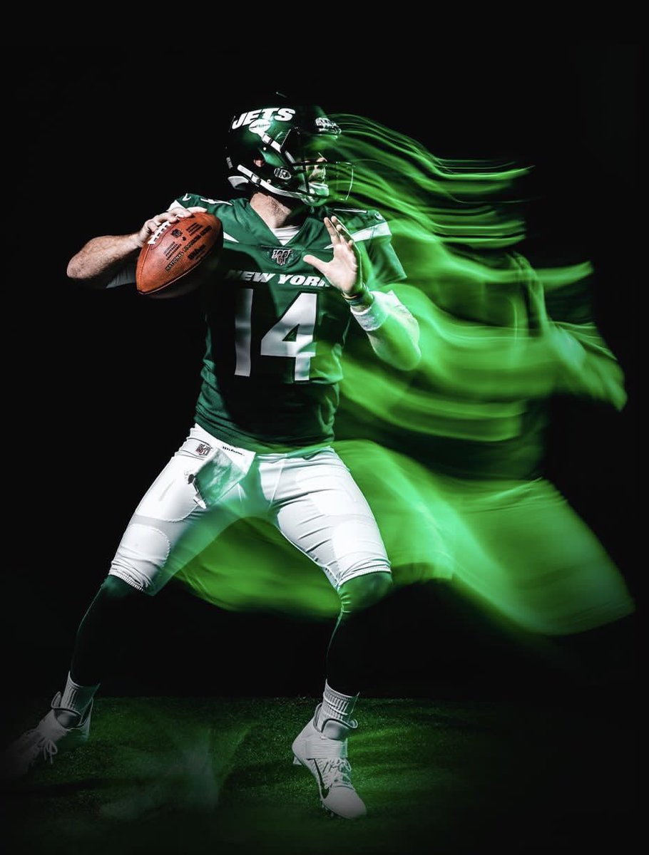 Sam Darnold is about to take an enormous leap in year 2!  - Offensive minded HC  - Added Le'Veon Bell & Crowder  - KO at LG  - Best QB last 1/4 of the season   Put Darnold down for 31 TD's and 10 wins   #TakeFlight #Jets @nyjets<br>http://pic.twitter.com/dvYSQPkffT